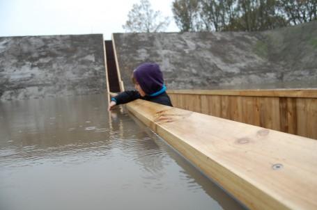 Madera acetilada. Puente de Moisés - Ro&Ad architecten
